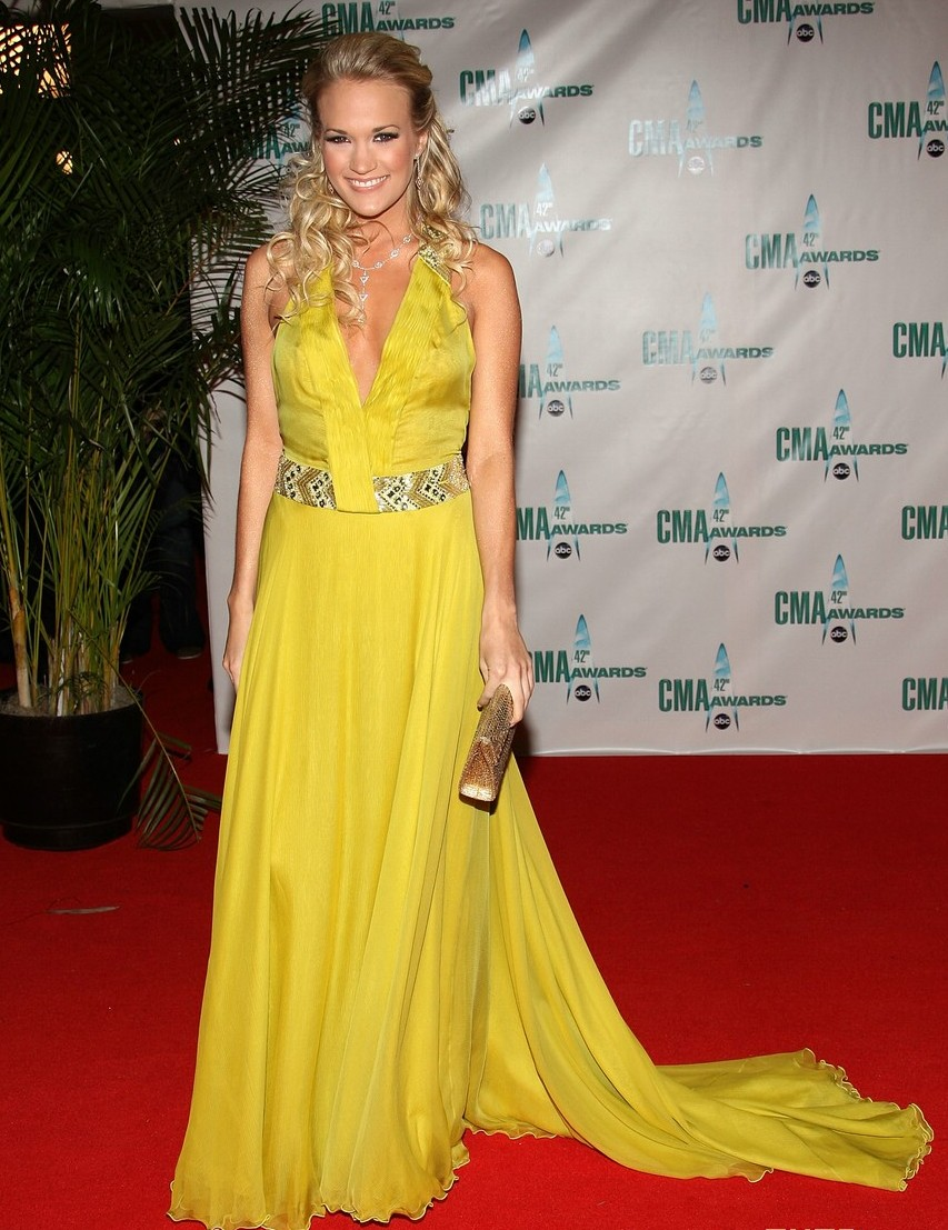 carrie-underwood-2008-cma-awards-03