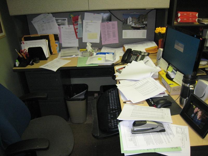 desk_at_work