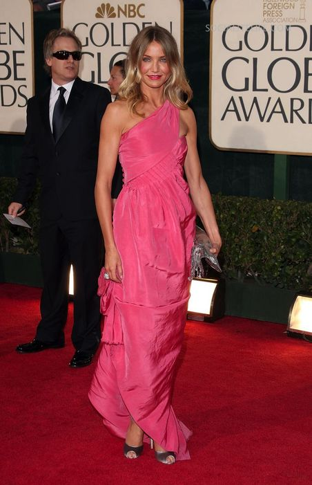 gallery_main-camerondiaz-2009-golden-globe-awards-red-carpet-photos-01122009-05