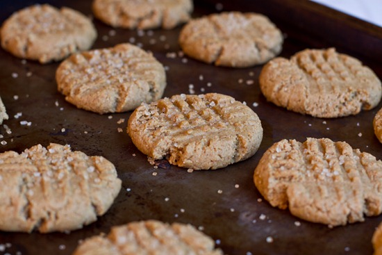 20101126IMG 3517 thumb   Auntie Angie's Soft Peanut Butter Cookies