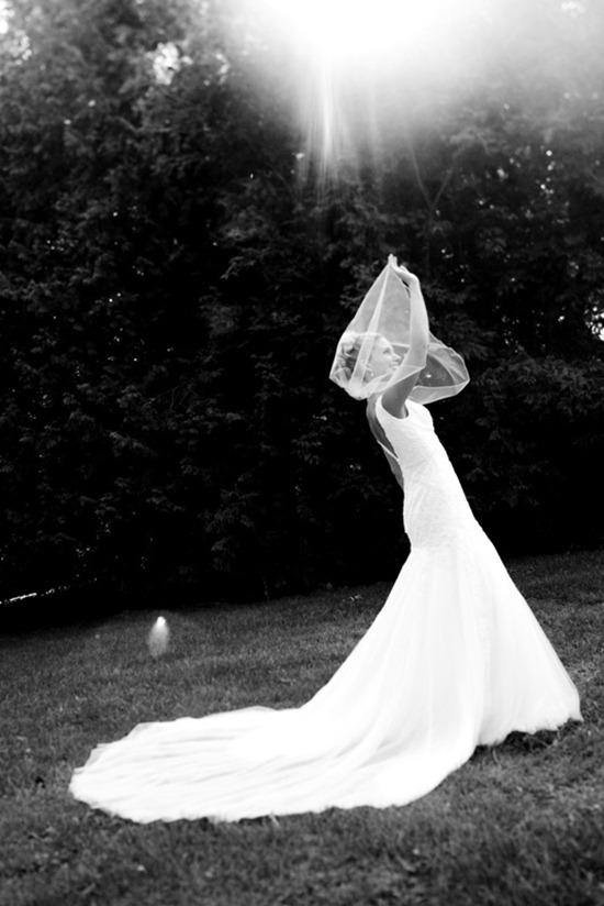 49becf3eeef9e thumb   Sometimes A Bride Just Gets Tangled Up In Her Veil…