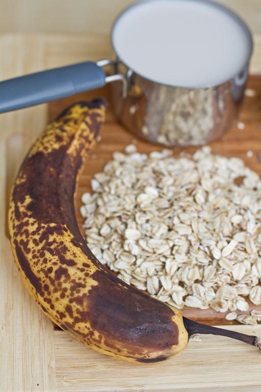 Carob Banana Chia Vegan Overnight Oats Recipe — Dishmaps