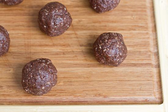 IMG 0352   No Bake Chocolate Macaroons