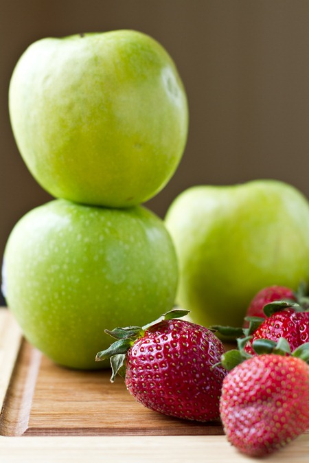 IMG 4558   Vegan & Flourless Strawberry Apple Breakfast Crisp