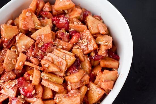 IMG 4580   Vegan & Flourless Strawberry Apple Breakfast Crisp
