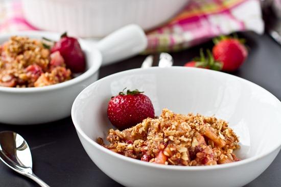 IMG 4591   Vegan & Flourless Strawberry Apple Breakfast Crisp