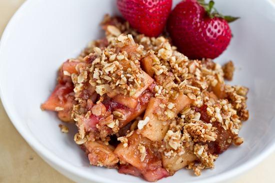 IMG 4600   Vegan & Flourless Strawberry Apple Breakfast Crisp