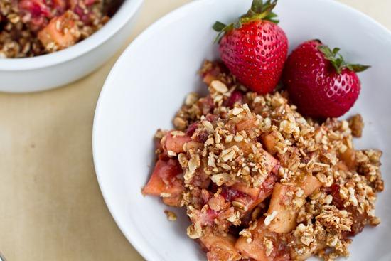 IMG 4603   Vegan & Flourless Strawberry Apple Breakfast Crisp