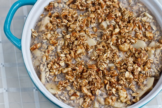 IMG 4975   Fruity Baked Oatmeal with Crunchy Cinnamon Almond Topping
