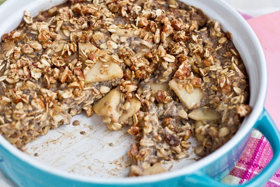 IMG 5005   Fruity Baked Oatmeal with Crunchy Cinnamon Almond Topping