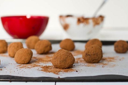 IMG 5685   Easy Holiday Gift: Vegan Chocolate Macaroon Truffles