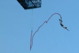 Eric_bungee_jumping