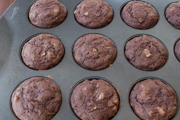 oil free vegan choclate zucchini muffins-3031
