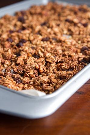 cinnamon bun granola-6616