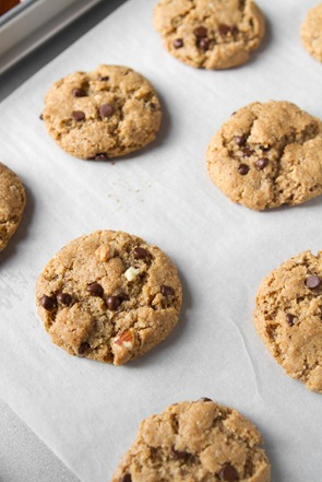 gluten free peanut butter chocolate chip cookies-8381