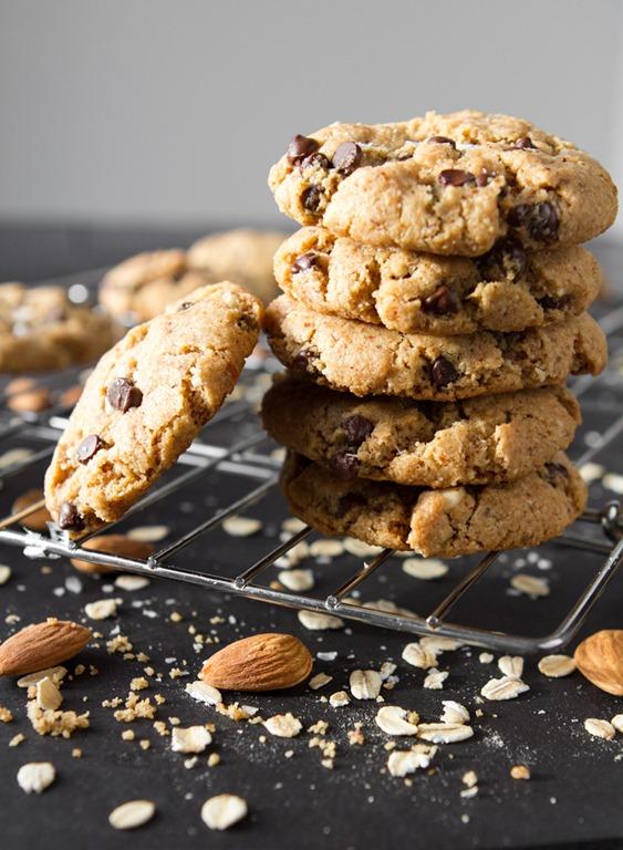 peanut butter chocolate chip cookies 8400 thumb Crispy Peanut Butter ...