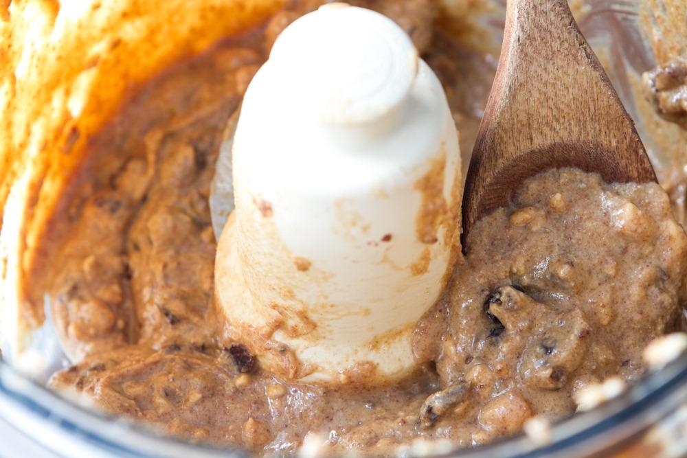 Chunky Cinnamon Raisin Nut Butter Recipe — Oh She Glows