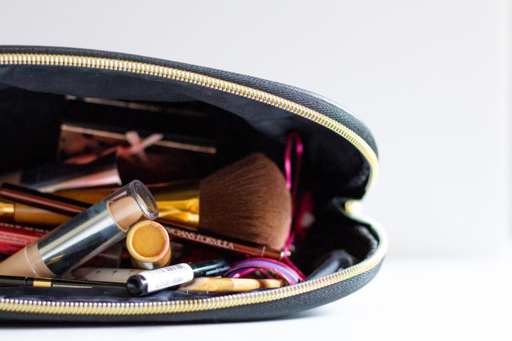 What's inside my makeup bag (cruelty-free)